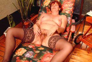 Geile Oma sucht Sex noch heute.